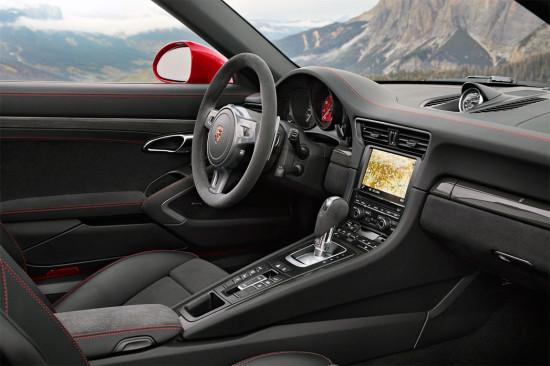 интерьер салона Porsche 911 Targa 4 GTS