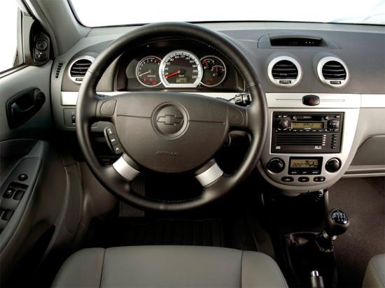интерьер хэтчбека Chevrolet Lacetti