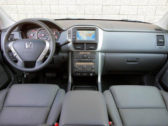 интерьер салона Honda Pilot 2006