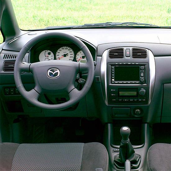 интерьер салона Mazda Premacy