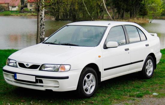 седан Nissan Almera (N15)