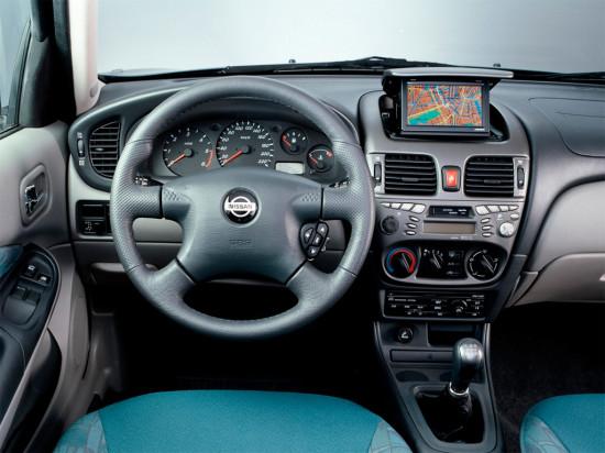 интерьер салона Nissan Almera (N16)
