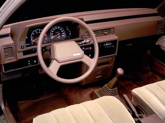 интерьер салона Toyota Camry V10