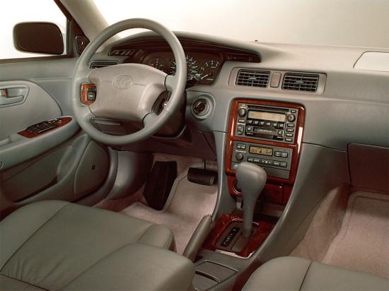 интерьер салона Toyota Camry XV20