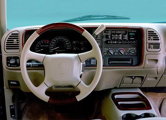 интерьер салона Cadillac Escalade I (GMT 400) 1999-2000