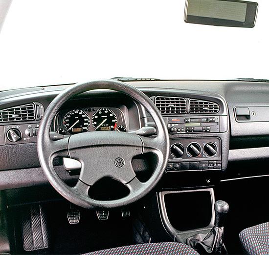 интерьер Volkswagen Vento  (Jetta A3, Typ 1H, 1992–1999)