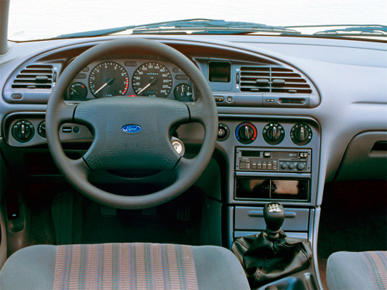 интерьер салона Ford Mondeo Mk I