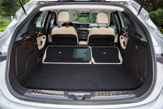 багажное отделение QX30
