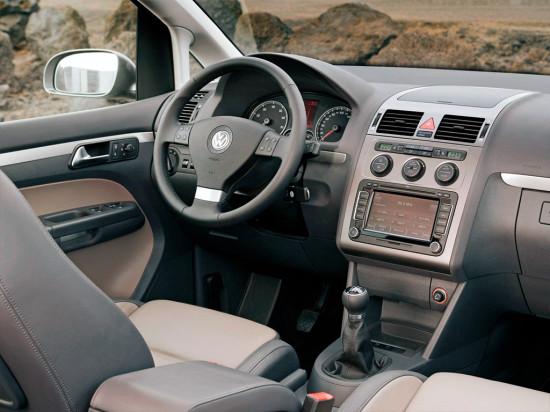 интерьер салона Volkswagen Touran 1 поколения