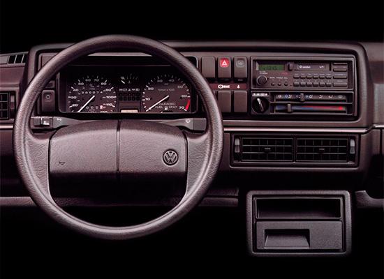 интерьер салона Volkswagen Jetta 2 (A2, Typ 1G, 1984–1992)