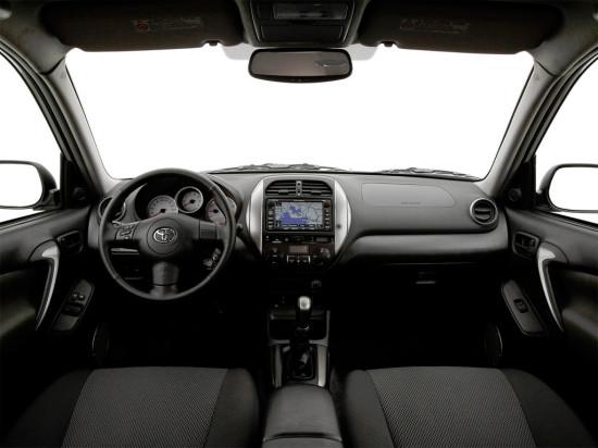 интерьер Toyota RAV4 (2000-2005)