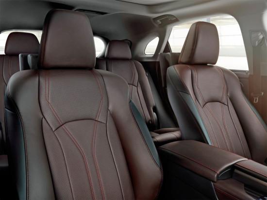 в салоне Lexus RX 450h 2016