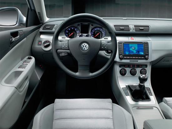 интерьер универсала Volkswagen Passat B6