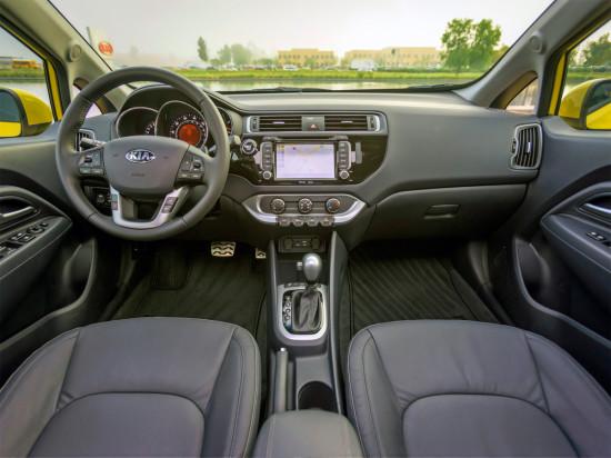интерьер хэтчбека Kia Rio 3 для европейского рынка