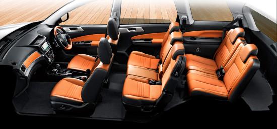 в салоне Subaru Exiga Crossover 7