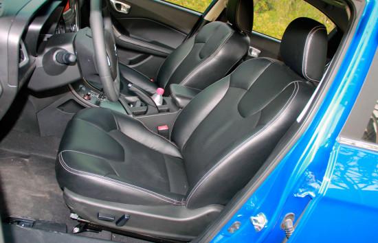 передние кресла GAC GA3