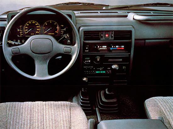 интерьер салона Nissan Patrol Y60