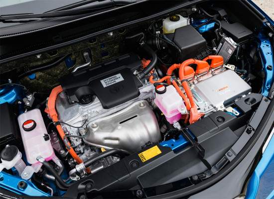 под капотом Toyota RAV4 Hybrid