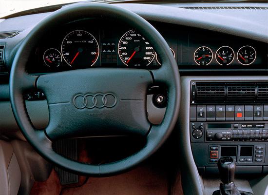 интерьер салона Audi A6 (C4) 1994-1997