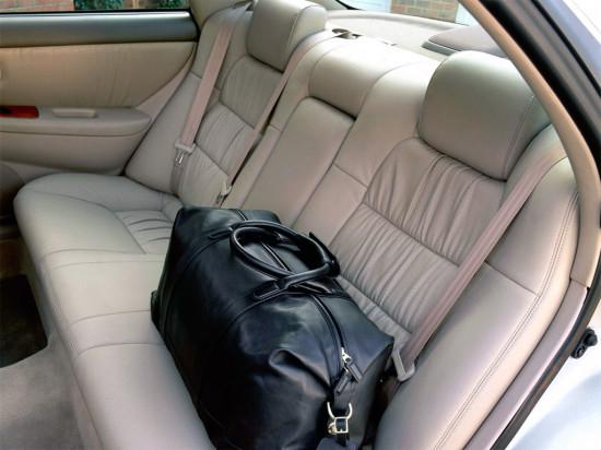 в салоне Lexus ES (1997-2001)