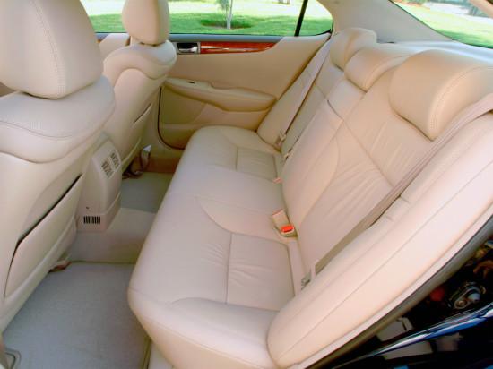 в салоне Lexus ES (2001-2006)