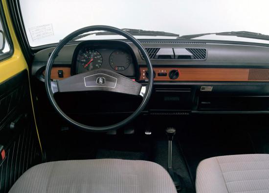 интерьер Фольксвагена Поло 1 1975-1981