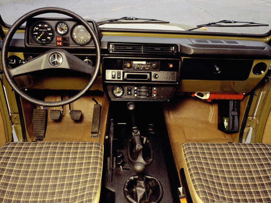 интерьер Mercedes G-class W461 1979