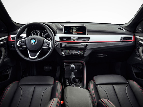 интерьер BMW X1 (F48)