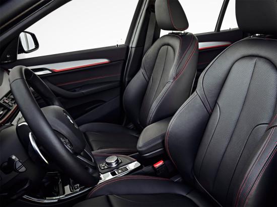 в салоне BMW X1 (F48)