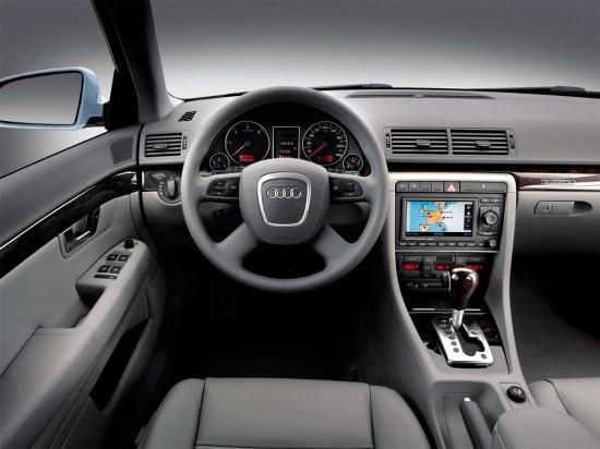 интерьер салона Audi A4 (B7) 2004–2008
