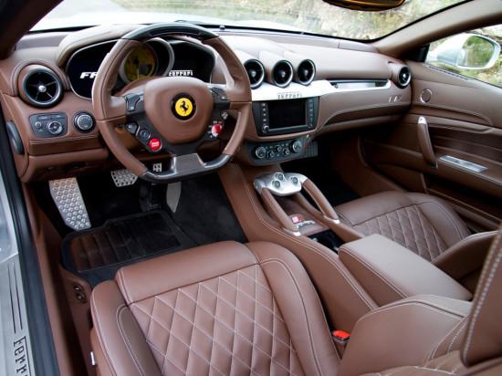 интерьер Ferrari FF