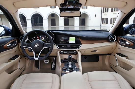 интерьер салона Alfa Romeo Giulia (952)
