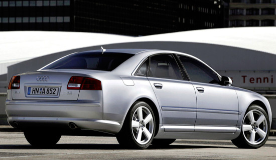 Audi A8 2002-2009 года
