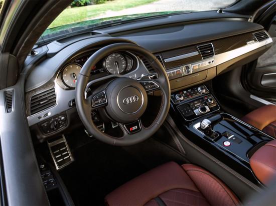 место водителя Audi S8 D4