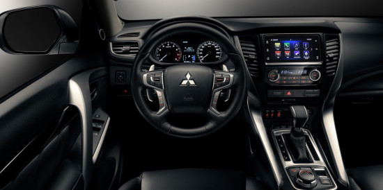 интерьер салона Mitsubishi Pajero Sport 3