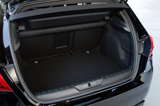 багажное отделение Peugeot 308 GTi