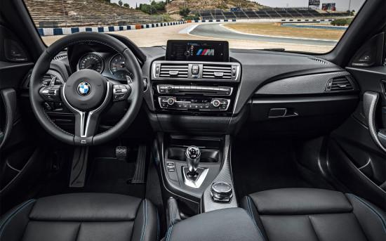 интерьер купе BMW M2