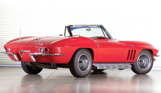 вид сзади Corvette C2 Cabrio