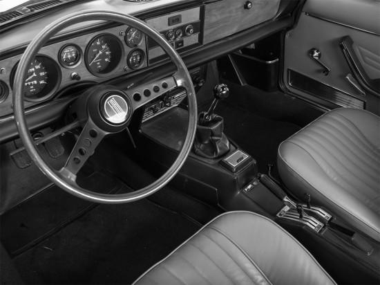 интерьер Fiat 124 Sport Spider