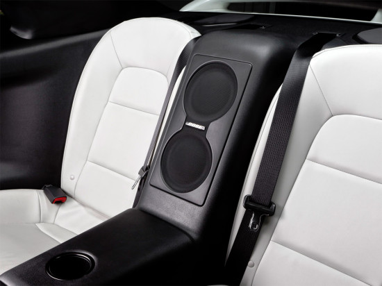 в салоне Ниссана GTR Black Edition R35