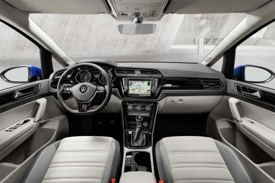 интерьер салона VW Touran II
