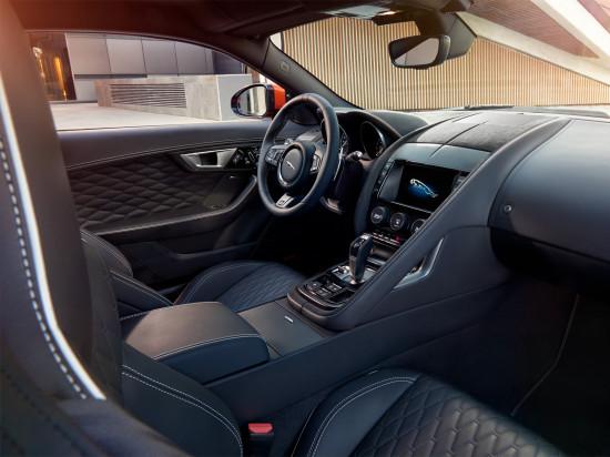 интерьер Jaguar F-Type SVR Coupe