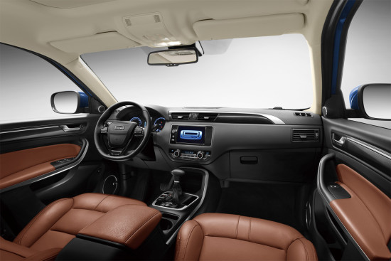 интерьер салона Qoros 5 SUV