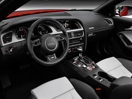 интерьер салона кабриолета Audi S5 1-го поколения
