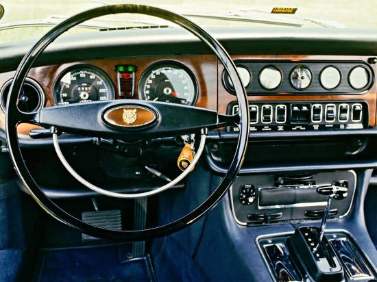 интерьер салона Jaguar XJ Series 1