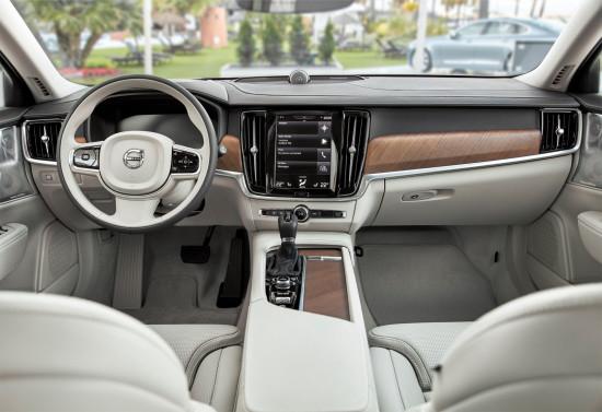 интерьер салона Volvo V90 2-го поколения