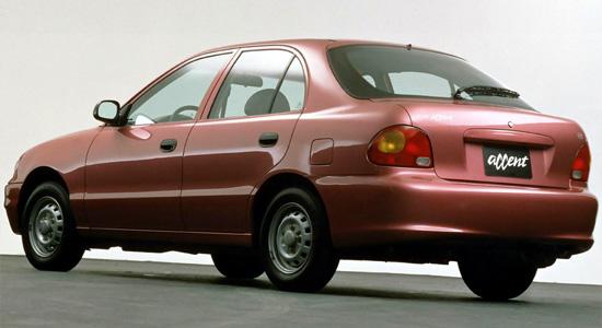пятидверный хэтчбек Hyundai Accent 1
