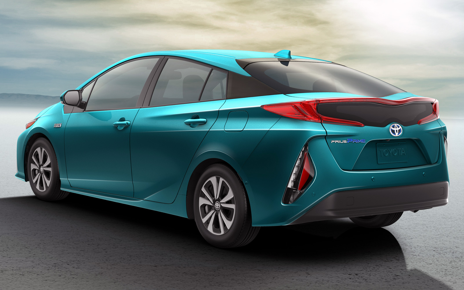 Новая Toyota Prius Prime 2019 - фото, характеристика, цена