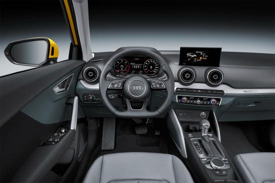 приборная панель Audi Q2 и центральная консоль