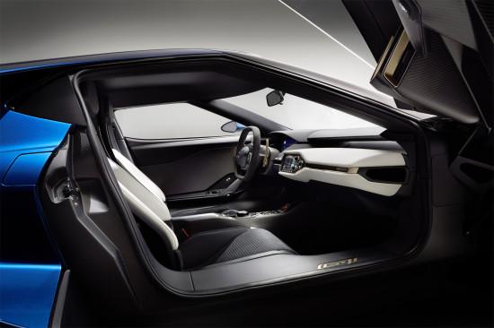 интерьер салона Ford GT 2
